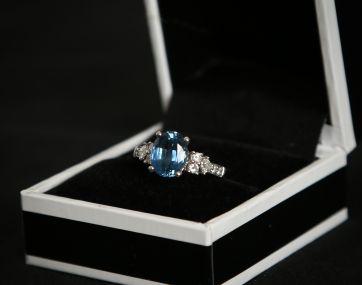 18 carat white gold Sapphire and Diamond ring