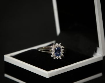 Sapphire and Diamond 18 carat gold ring